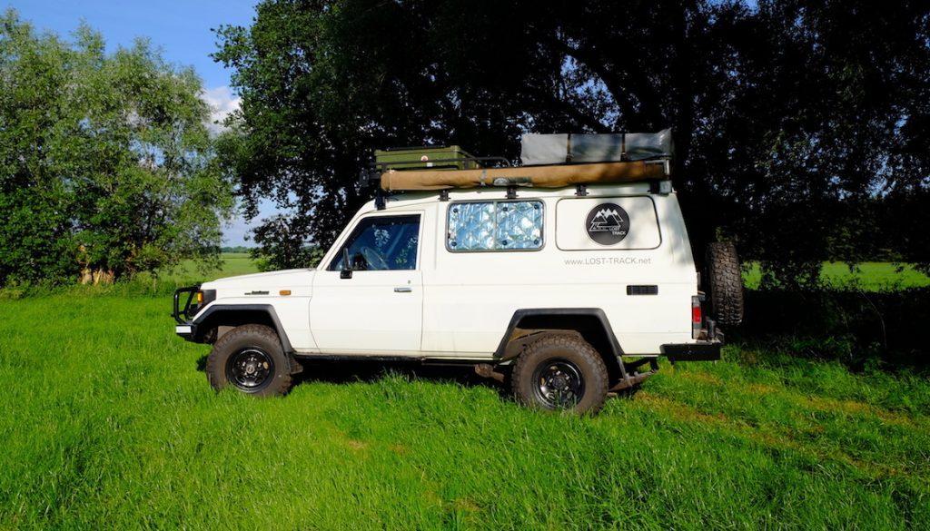 LOST TRACK Reiseblog Toyota Landcruiser HZJ 78 Innenausstattung LOST TRACK Sponsore Blickdicht Manufaktur Blidimax Fensterisolation Thermomatten Raumklima