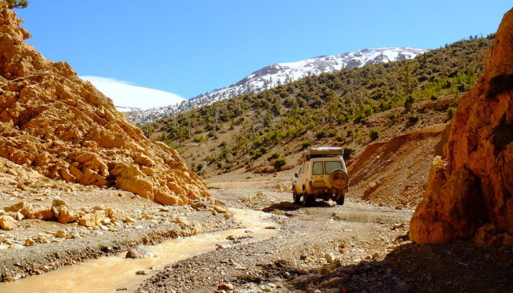 LOST TRACK Reiseblog Marokko Maroc Atlas Mountains Toyota Landcruiser Offroad 4x4 Schnee